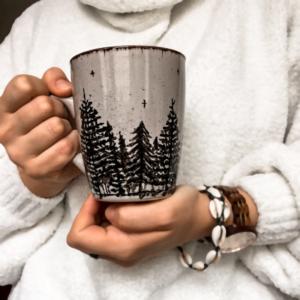 Kubek ceramiczny ciemny las